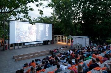 Letní kino na náměstí